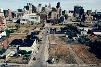 1376951615_downtown-detroit-1991